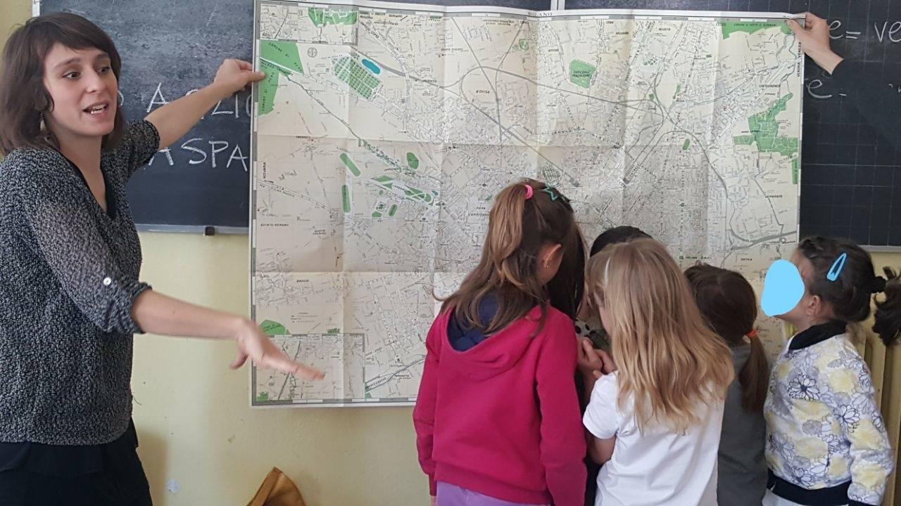 Un'attività alla Ecoschool di Triangia (SO)